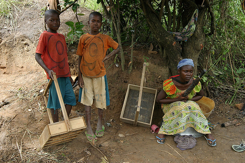 Image of diamond digging family in Africa